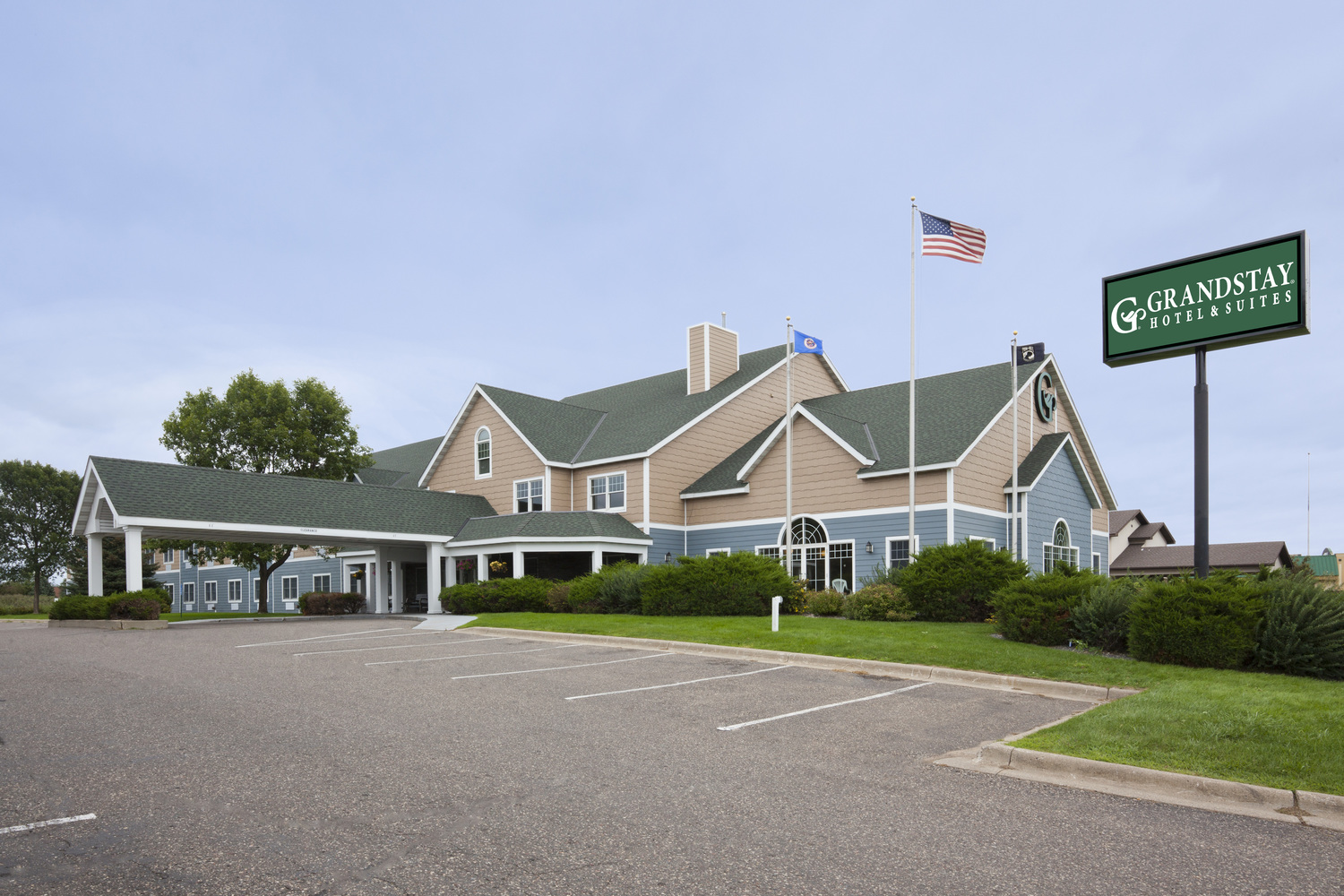 GrandStay Hotel and Suites - Stillwater, MN